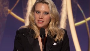 Kate McKinnon Thanks Ellen DeGeneres for Making It 'Less Scary' to Be Gay in Emotional Golden Globes Tribute