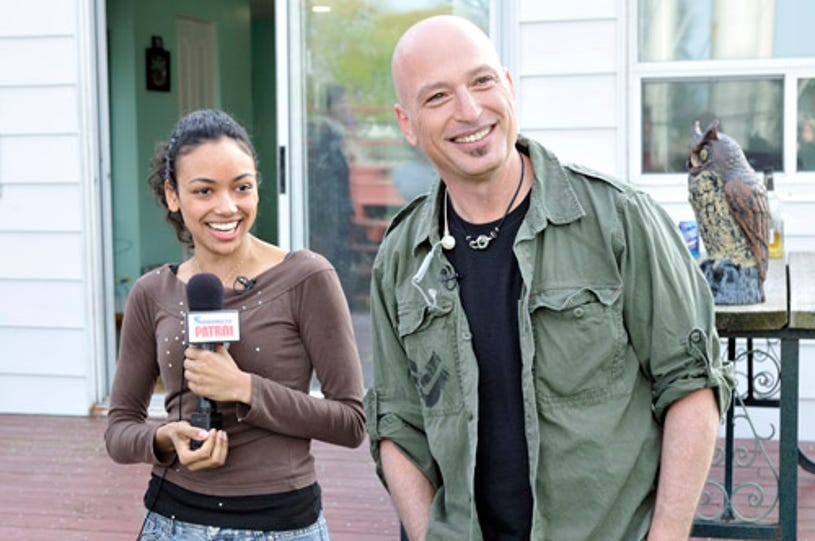 """Howie Do It - The """"mark"""" with host Howie Mandel"""