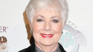 Hot in Cleveland Exclusive: Shirley Jones Joins the Live Episode!