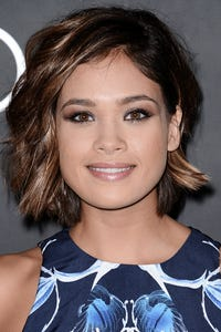 Nicole Anderson as Kelly Parker