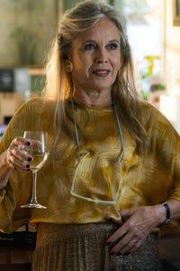 Birthe Neumann as Svendsen