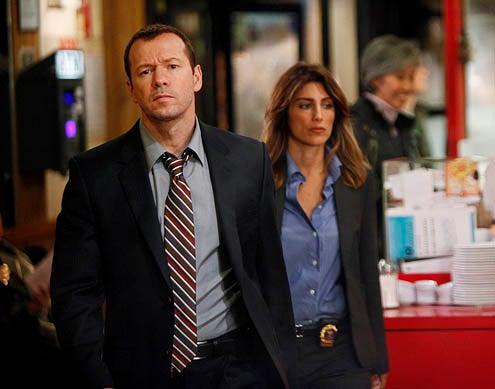 "Blue Bloods - Season1 - ""Chinatown"" - Donnie Wahlberg, Jennifer Esposito"