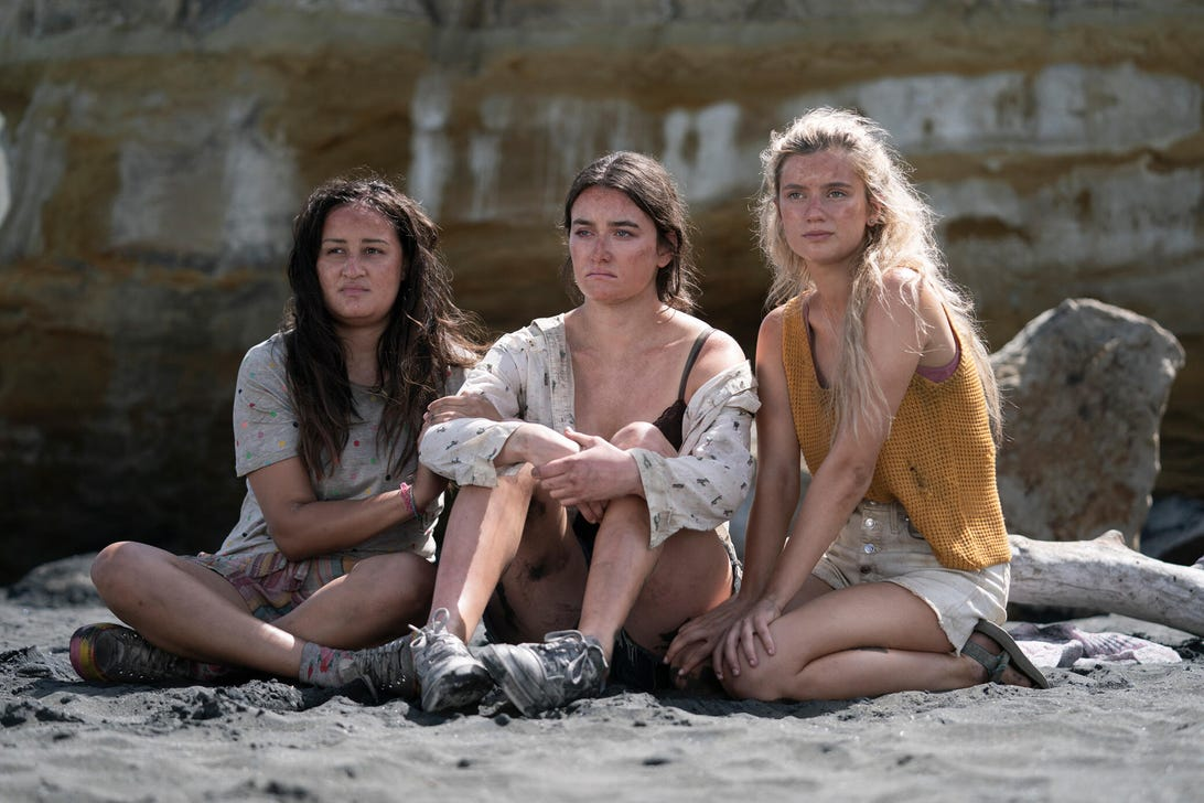 Jenna Clause, Sarah Pidgeon, and Mia Healey, The Wilds