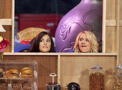"Sonny With A Chance - Season 2 - ""Dakota's Revenge"" - Demi Lovato and Tiffany Thornton"