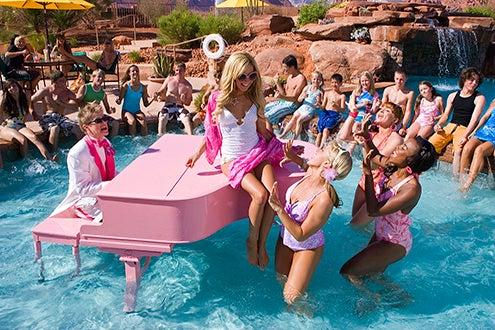 High School Musical 2 - Lucas Grabeel, Ashley Tisdale, Mccall Clark, Kelli Baker,and Tanya Michelle