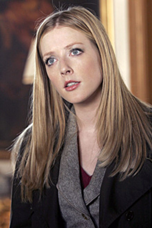 """Close to Home - Season 2, """"Legacy"""" - Jennifer Finnigan as Annabeth"""