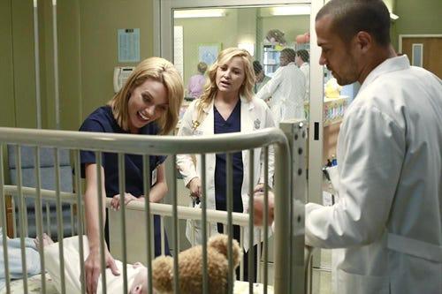 Greys Anatomy - Season 9 - Do You Believe In Magic - Hilarie Burton, Jessica Capshaw, Jesse Williams