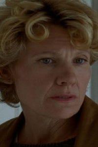 Lindsay Crouse as Jane Wallace