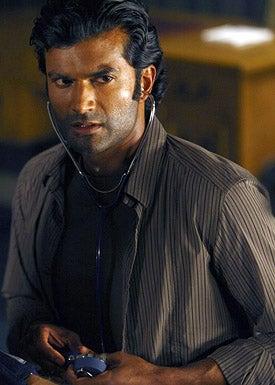 """Heroes - Season 3 - """"Cold Wars"""" - Sendhil Ramamurthy as Mohinder Suresh"""