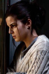 Clara Lago as Woman
