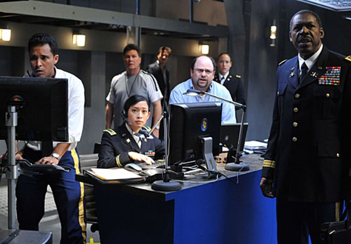 Meteor - Alex Paez as Lieutenant Finn, Camille Chen as Lieutenant Quigley, Jason Alexander as Dr. Chetwyn, Ernie Hudson as General Brasser