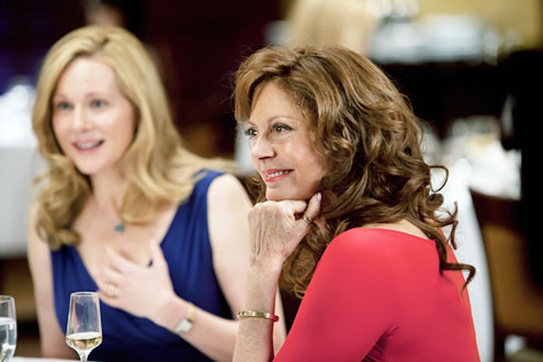 "The Big C - Season 3 - ""Life Rights"" - Laura Linney and Susan Sarandon"