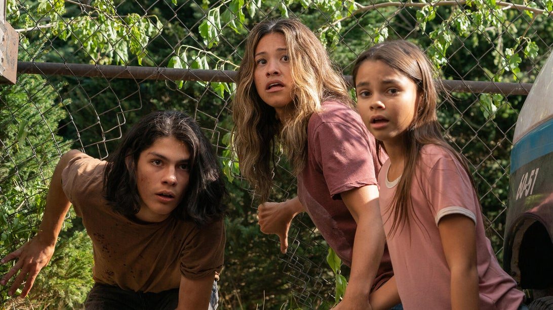Lucius Hoyos, Gina Rodriguez, and Ariana Greenblatt, Awake