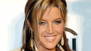 Lisa Marie Presley Gives Birth to Twin Girls