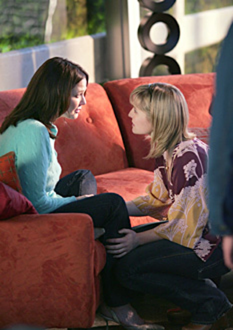 "Smallville - ""Progeny"" - Lynda Carter as Moira Sullivan, Allison Mack as Chloe Sullivan"