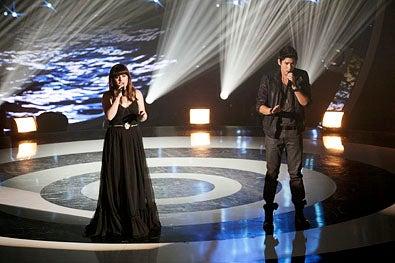 "Duets - Season 1 - ""Songs That Inspire"" - Kelly Clarkson and Jason Farol"