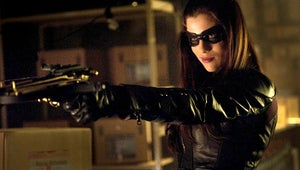 """Arrow Exclusive: The Huntress Returns for """"Birds of Prey"""" Episode!"""