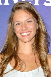 Tracy Spiridakos as Nikki Carpenter