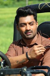 Nandamuri Kalyan Ram as Gautam