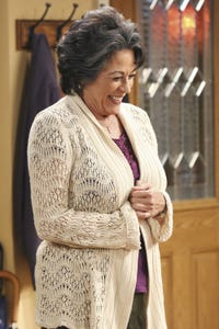 Terri Hoyos as Aunt Josephina 'Pepa'