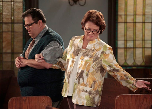 "Mike & Molly - Season 2 - ""The Rehearsal"" - David Higgins, Rondi Reed"