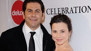 Freak and Geeks Alum Linda Cardellini Gives Birth to Daughter