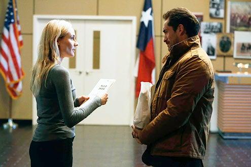 The Bridge - Season 1 - Diane Kruger and Demian Bichir