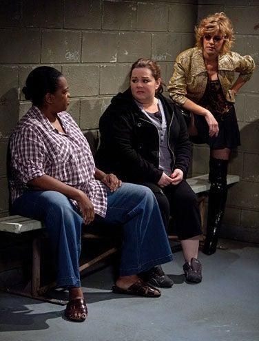 """Mike & Molly - Season 2 - """"The Dress"""" - Betsy Zajko, Melissa McCarthy, Davenia McFadden"""