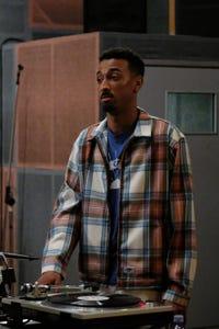 Travis Bennett as Elz