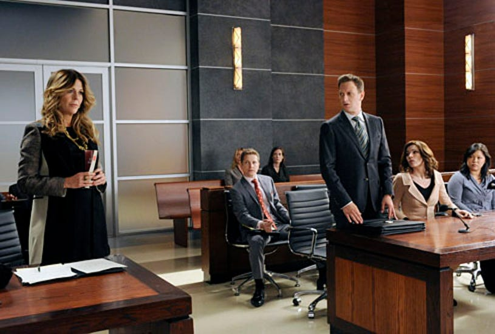 "The Good Wife - Season 4 - ""Two Girls, One Code"" - Julianna Margulies, Matt Czuchry, Jee Young Han"
