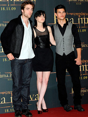 "Robert Pattinson, Kristen Stewart and Taylor Lautner - ""The Twilight Saga: New Moon"" photocall  in Madrid, November 12, 2009"