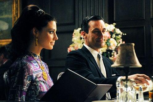 """Mad Men - Season 5 - """"Tea Leaves"""" - Jessica Pare and Jon Hamm"""