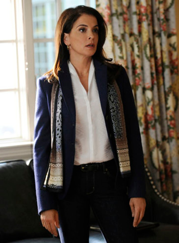 "The Good Wife - Season 4 - ""Waiting for the Knock"" - Annabella Sciorra"