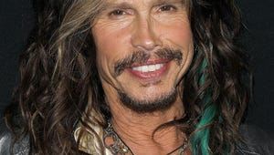 """Watch Steven Tyler Sing """"I Don't Want to Miss a Thing"""" on the Street in Russia"""