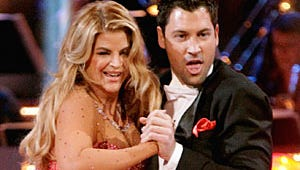 Top Moments: Dancing's Lip-Lock, Grey's Musical Medicine and a Top Chef Spy