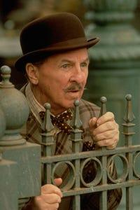 Eddie Bracken as Herbie Fenton