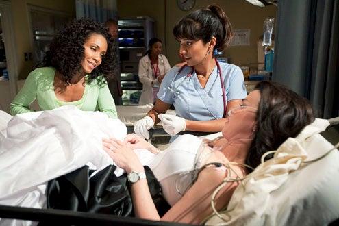 "HawthoRNe - Season 2 - ""Hidden Truths"" - Jada Pinkett Smith, Suleka Mathew and Debi Mazar"