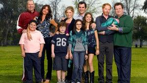 Modern Family Stars Recreate First Cast Photo to Celebrate Final Season