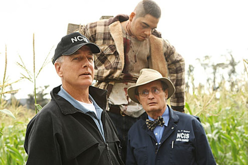 "NCIS - Season 7 - ""Child's Play"" - Mark Harmon and David McCallum"
