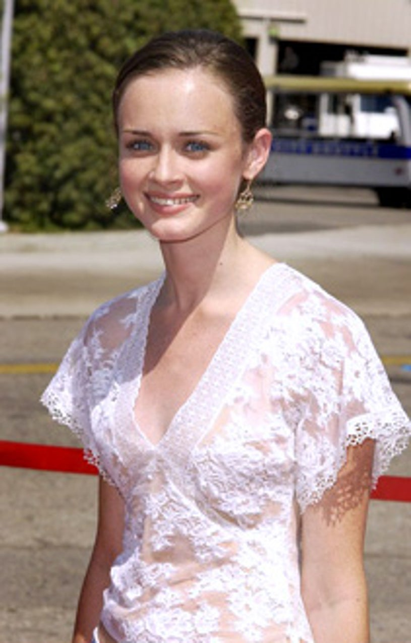 Alexis Bledel arrives at The 2002 Teen Choice Awards.