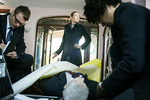 "Fringe - Season 4 - ""Wallflower"" - Seth Gabel as Lincoln Lee, Anna Torv as Olivia Dunham and Jasika Nicole as Astrid Farnsworth"