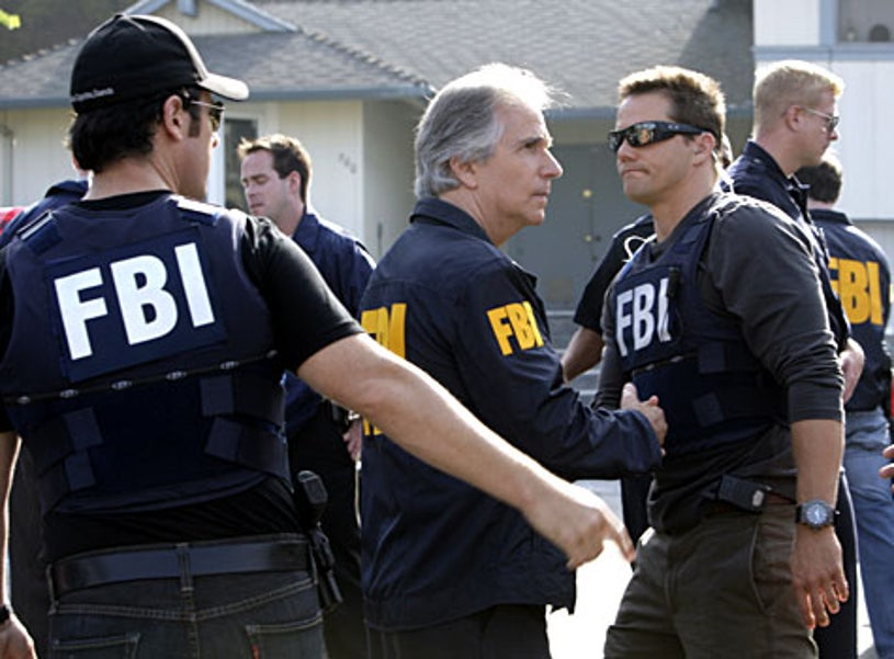 """Numb3rs - Season 5, """"Jack of All Trades"""" - Rob Morrow as Don, guest star Henry Winkler as Agent Bloom, Dylan Bruno as Colby"""