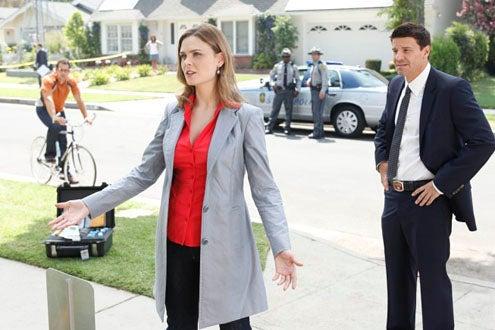"Bones - Season 5 - ""The Beautiful Day in the Neighborhood"" -  Emily Deschanel and David Boreanaz"