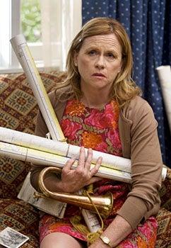 "Saving Grace - Season 2, ""A Little Hometown Love"" - Amy Madigan as Gretchen Ligardi"