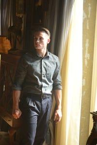 Tom Stevens as Jason