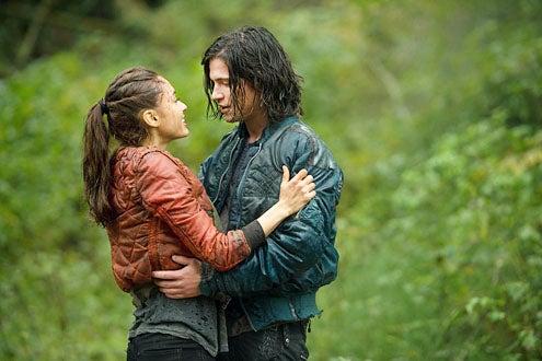"The 100 - Season 1 ""Twilight's Last Gleaming"" - Lindsey Morgan and Thomas McDonell"