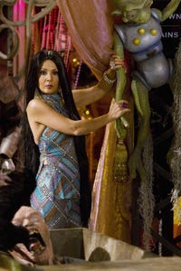 Maria Canals as Paulina