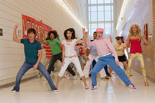 High School Musical 2 - Zac Efron , Vanessa Hudgens , Lucas Grabeel , Ashley Tisdale