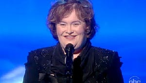 VIDEO: Susan Boyle Stops Mid-Performance on The View