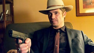 """Justified EP Graham Yost Teases """"More Mystery... And a Big Fugitive Pursuit"""" in Season 4"""